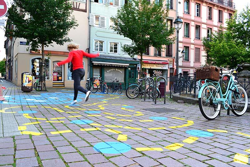 Street art la strasbourg rue du jeu des enfants devine - Mr bricolage strasbourg ...