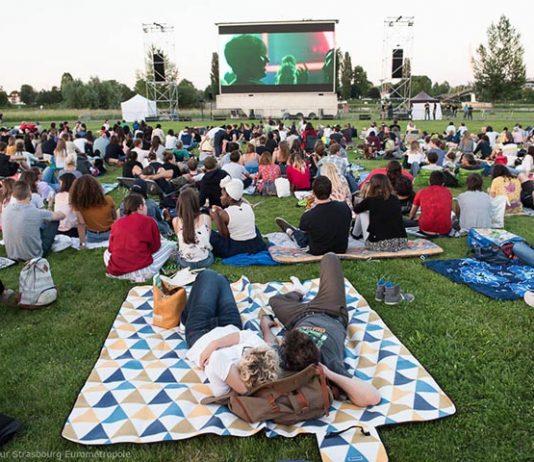 cinema in aer liber strasbourg 2018, romani la strasbourg, cinema in parc, cinema plein air